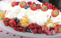 How to prepare Very Berry Meringue
